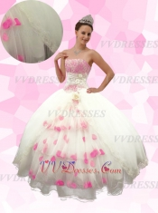 Graceful Bateau Strapless Lace Bodice Tulle Vents Puffy Skirt Quinceanera Dress With Petals
