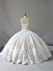 Pretty Plain Thick Satin White Western Quinceanera Girls Ball Gown Gold Embroidery