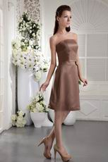 Strapless Knee-length Chocolate Bowknot Bridesmaid Dress
