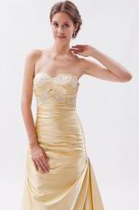 Slim Sweetheart Daffodil La Femme Prom Dresses Gowns With Applique