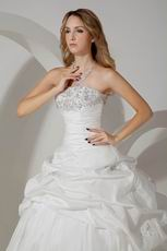 Casual Embroidery Ball Gown Cathedral Taffeta Bridal Wedding Gowns