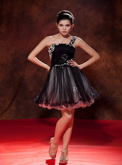 Black One Shoulder Mini-length Prom Dress Made By Net Knee Length Sexy
