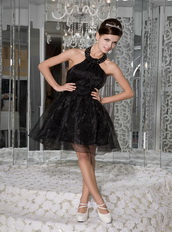 Black Halter Mini-length Organza Homecoming Dress Cheap Knee Length Sexy