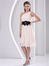 Elegant One Shoulder Champagne Chiffon Bridesmaid Dress For Wedding