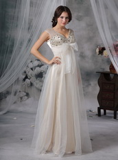 Beaded V-neck Champagne Lady Wear Prom Dress With Bow Inexpensive