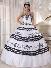 Sweetheart White Quinceanera Party Dress With Black Details