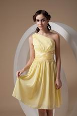 One Shoulder Knee-length Daffodil Chiffon Bridesmaid Dress