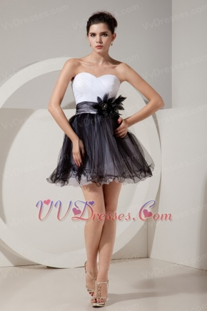 Black and White Mini Prom Dress With Handmade Flowers Knee Length Sexy