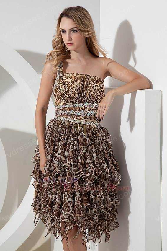 Cheap Short Animal Print Prom Dresses Plus Size Tops