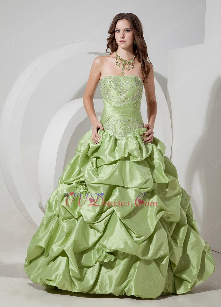 Spring Green Women In Prom Ball Gown Low Price