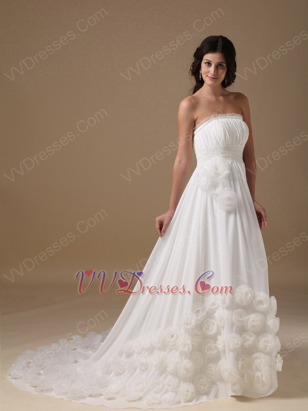 Chic maternity wedding dress : Stylish maternity wedding dress with handmade flowers